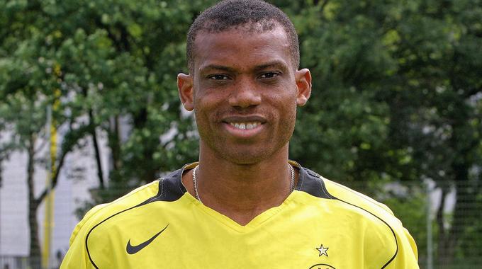 Profile picture of Sunday Oliseh
