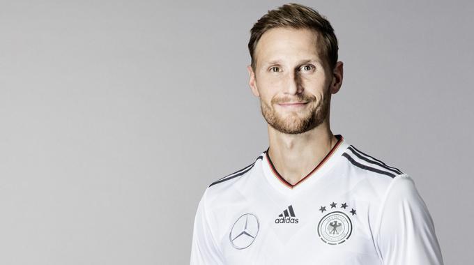 Profilbild vonBenedikt Höwedes