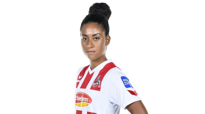 Profilbild von Chaima Khammar