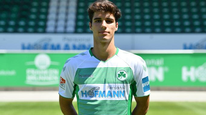 Profilbild von Elias Abouchabaka
