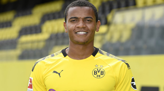 Profile picture of Manuel Akanji
