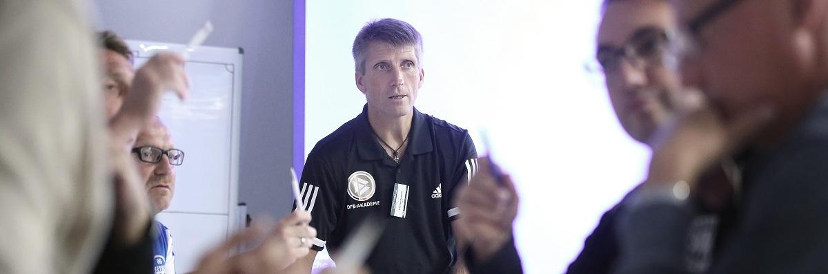 Ein allgemeiner Einblick in den DFB-Elite-Jugend-Lizenz am 21. September 2018 in Grünberg, Deutschland.