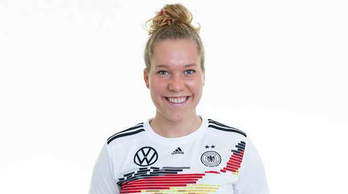 Profile picture of Charlotte Blumel