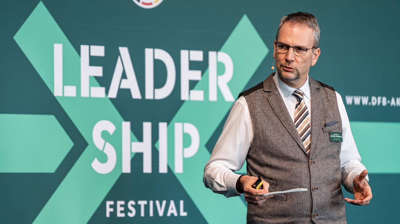 Mark Hübner-Weinhold beim Leadership-Festival 2019