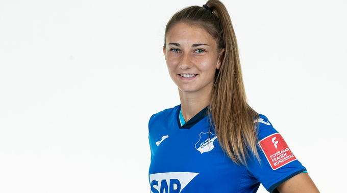 Profilbild von Katharina Naschenweng