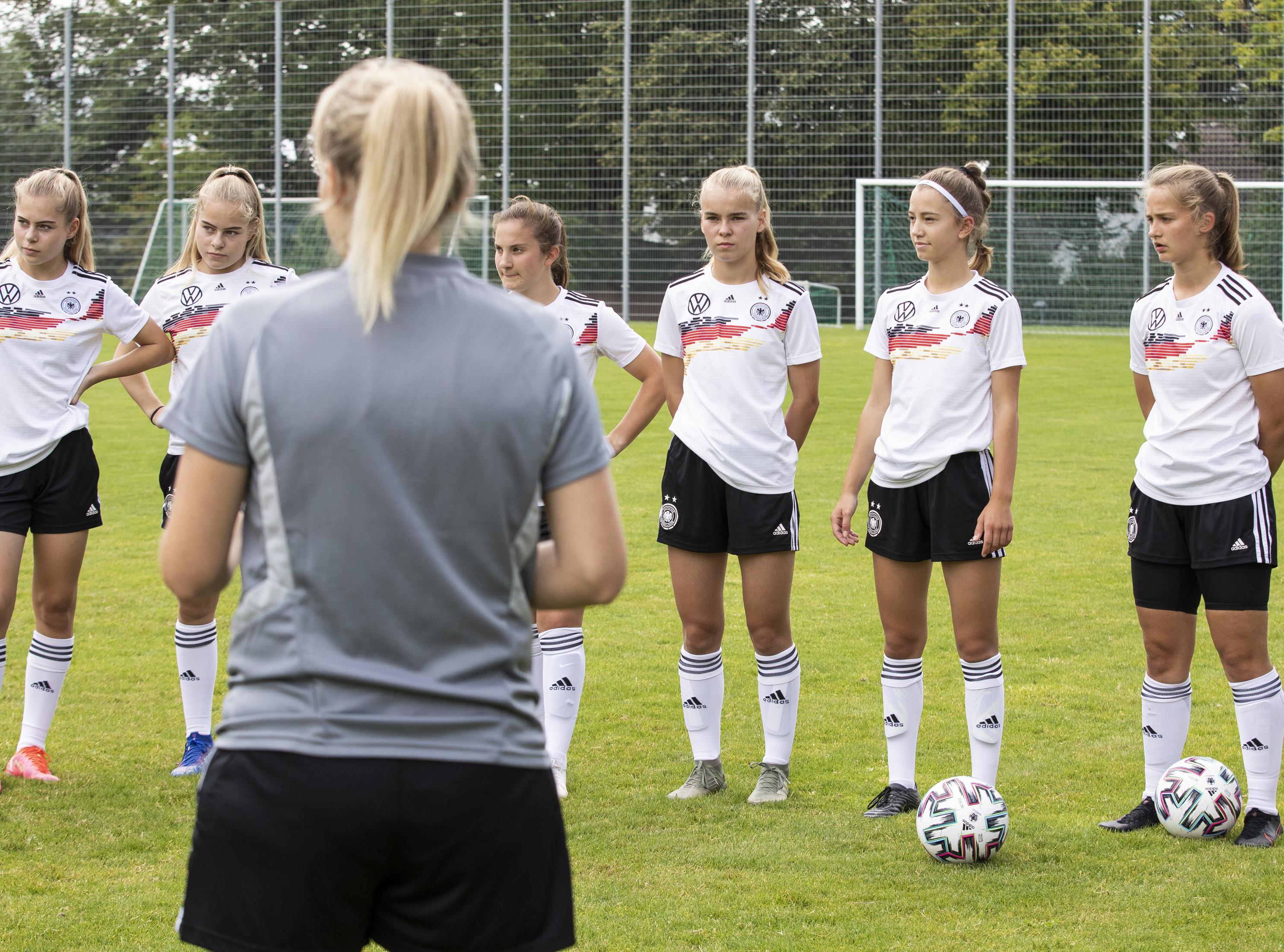Die Spielerinnen der U17 Nationalmannschaft während der Performance Days.